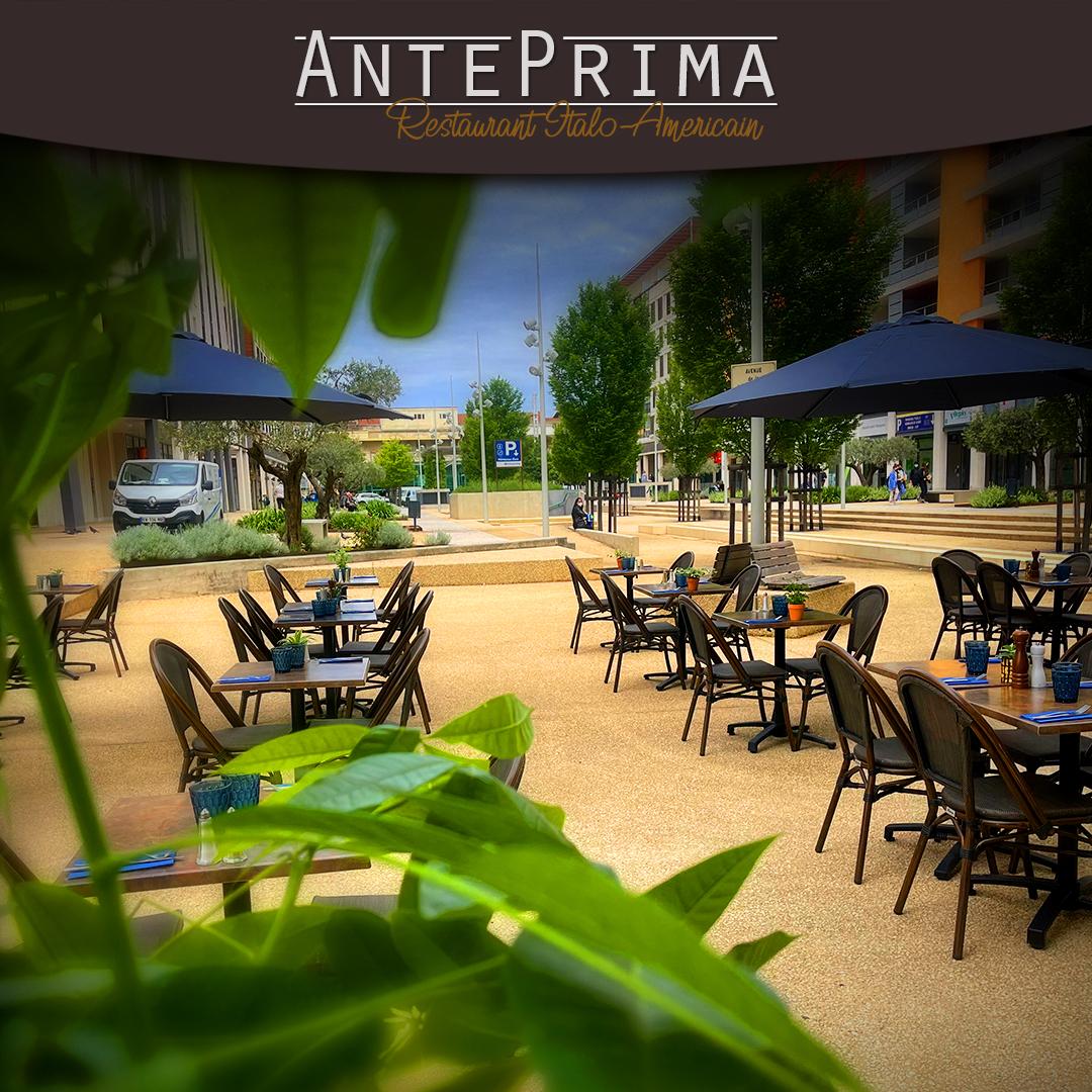 Terrasse extérieur du restaurant l'Anteprima Nîmes Gard (2)
